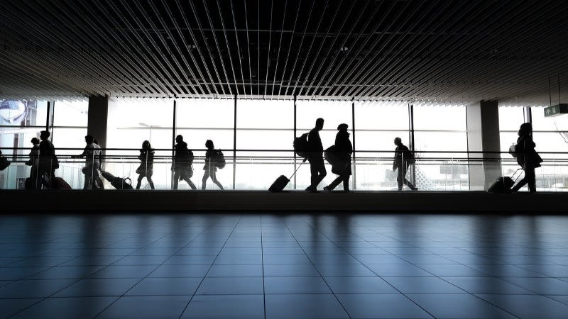 spain 14 day quarantine international travelers