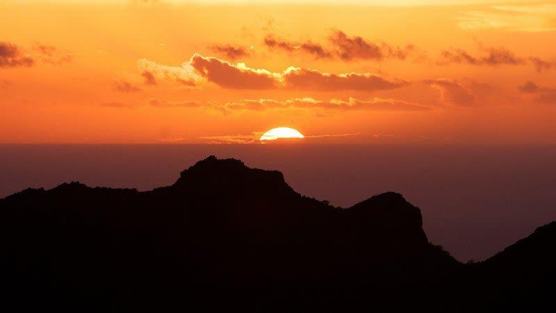 canary islands tourism again coronavirus