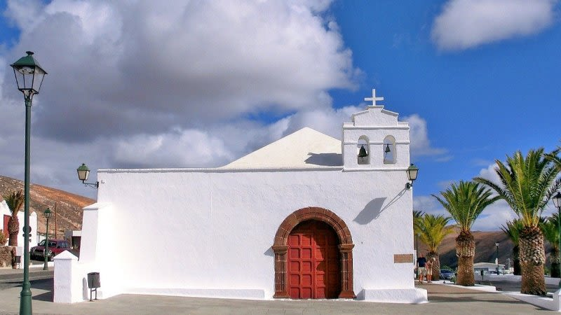 charming villages towns lanzarote canary islands