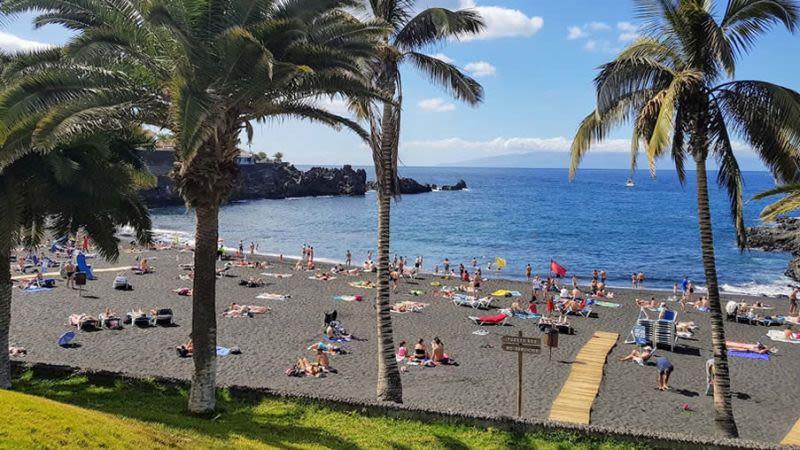 La arena beach puerto de santiago tenerife january