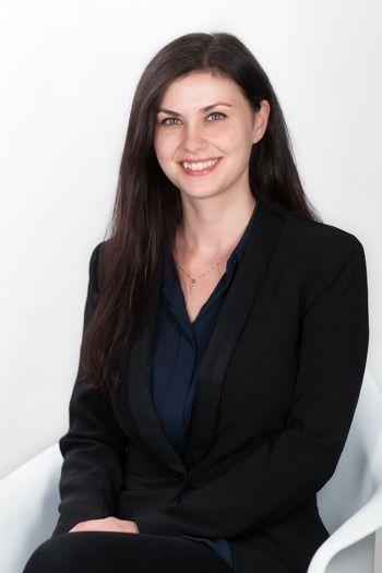 Elena Stan